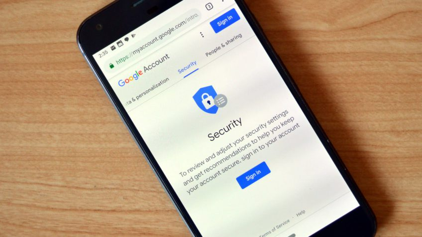 Your iPhone can now act as a physical Google security key